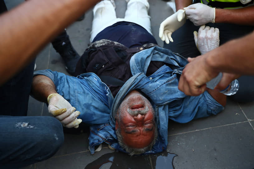 Всего при столкновении протестующих и правоохранительных органов в Бейруте пострадали 728 человек