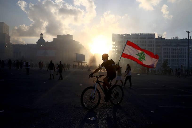 Посольство США поддержало протесты в Бейруте. По его мнению, ливанский народ «слишком много страдал» и заслуживает того, чтобы власти к нему прислушались