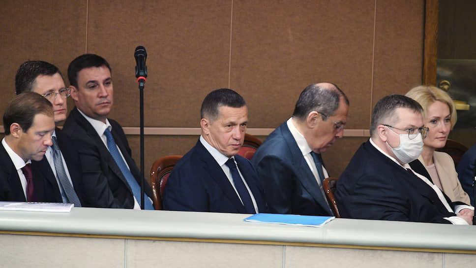 Члены правительства России во время отчета о деятельности кабмина в Госдуме 22 июля 2020 года