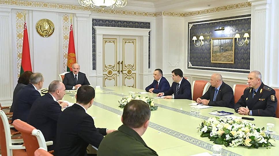 Лукашенко связал обстановку в стране с состоянием экономики