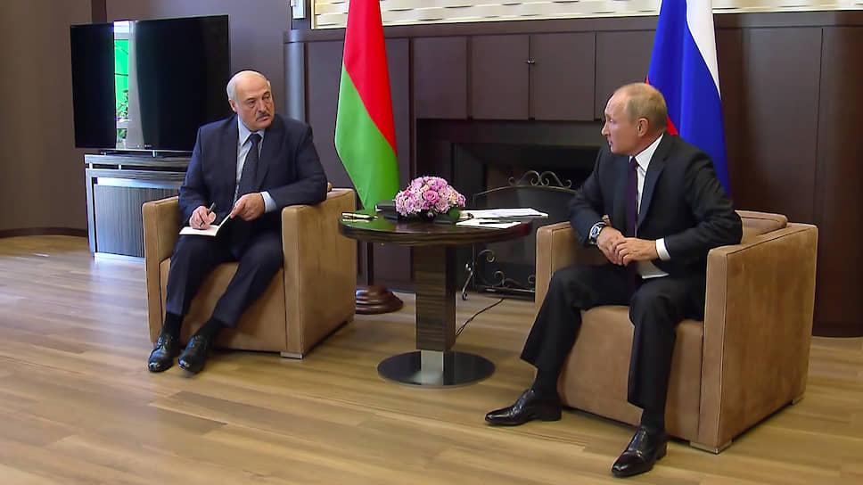 Президенты России и Белоруссии Владимир Путин и Александр Лукашенко