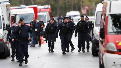 Четыре человека получили ножевые ранения у бывшего здания Charlie Hebdo в Париже