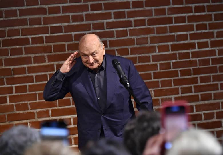 Сатирик и писатель Михаил Жванецкий