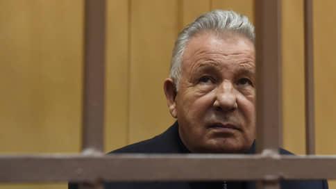 Обвиняемый в растрате экс-губернатор Хабаровского края госпитализирован