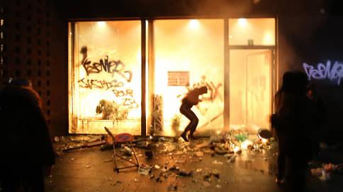 Протестующие в Брюсселе подожгли полицейский участок