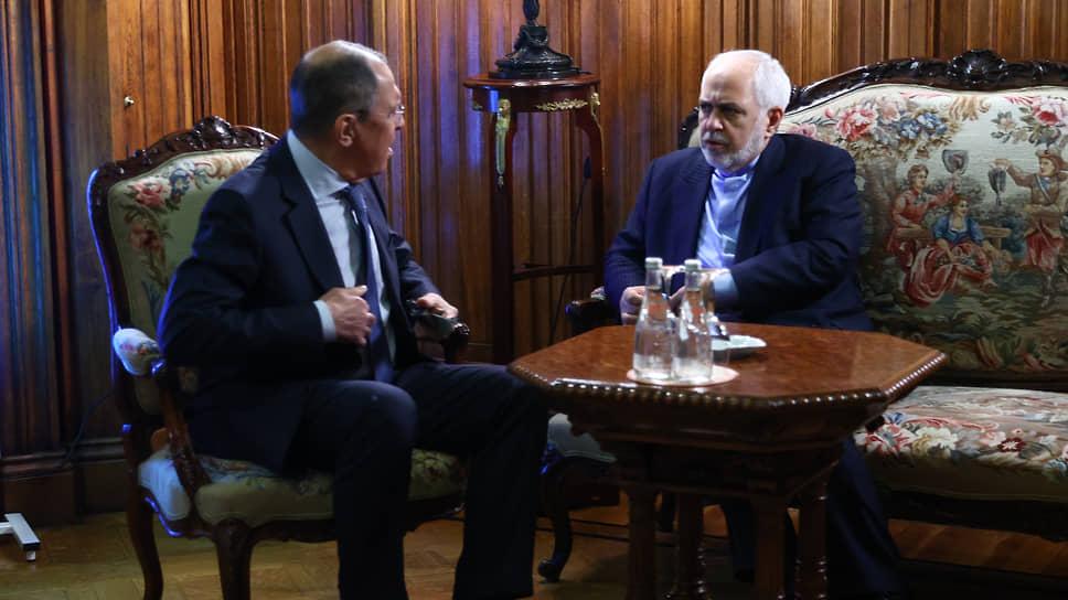 Главы МИДов России и Ирана Сергей Лавров (слева) и Мохаммад Джавад Зариф