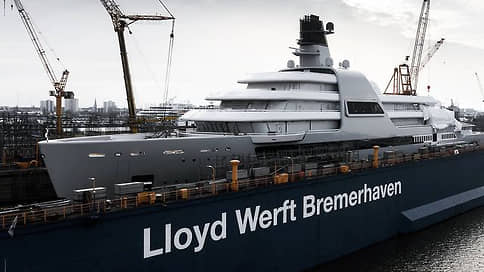 Forbes сообщил о строительстве 145-метровой яхты для Абрамовича