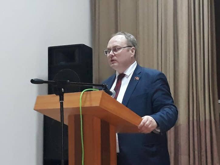 Депутат Юрий Юхневич