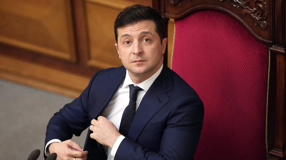 Байден и Зеленский впервые поговорили по телефону - Новости – Мир –  Коммерсантъ