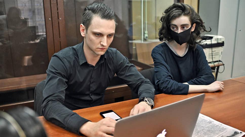 Редактор Doxa Алла Гутникова (справа)