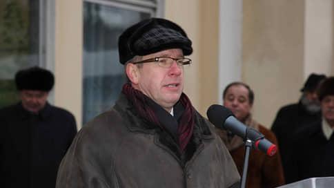 Экс-гендиректора Центра Хруничева просят приговорить к шести годам колонии