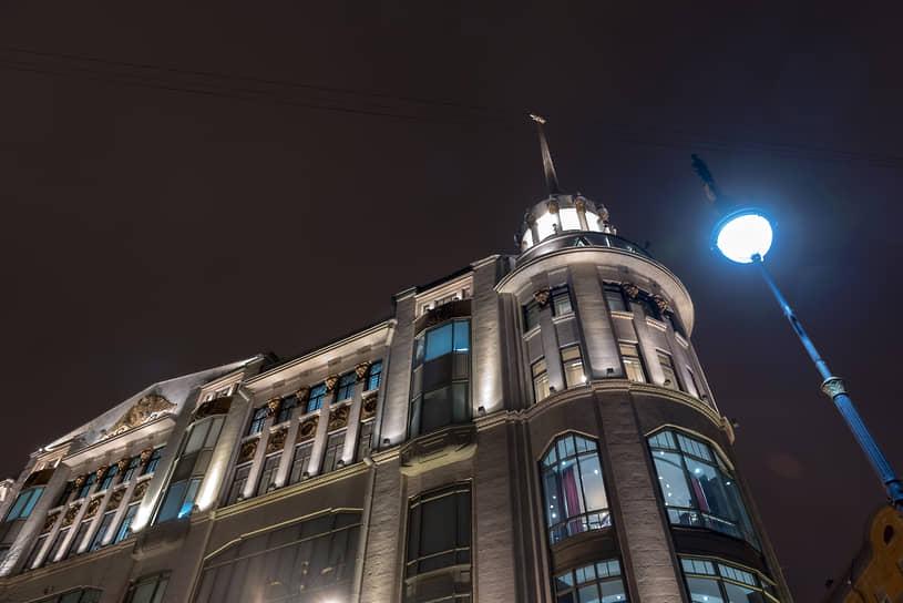 Здание универмага ДЛТ