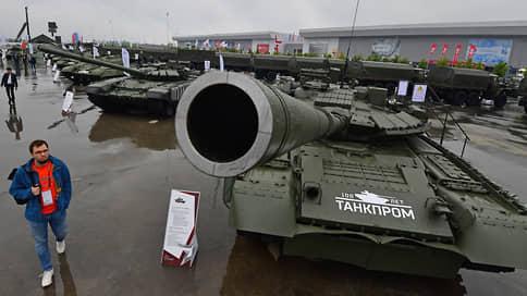 Россия вошла в пятерку лидеров по военным расходам в 2020 году  / Больше всех на вооружения тратят США