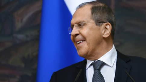 Лавров обвинил США и ЕС в насаждении тоталитаризма в международных делах