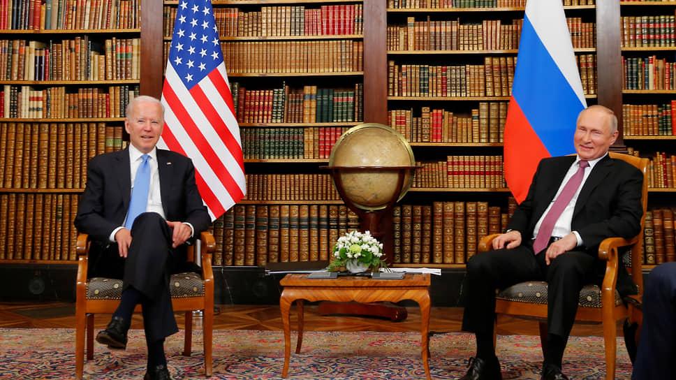 Президенты США и России Джо Байден и Владимир Путин