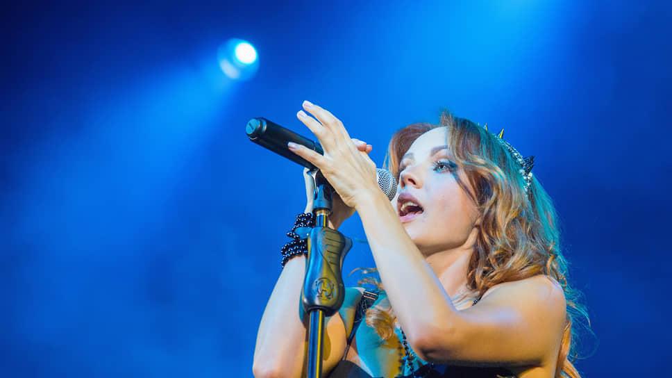 Певица МакSим на концерте в 2014 году