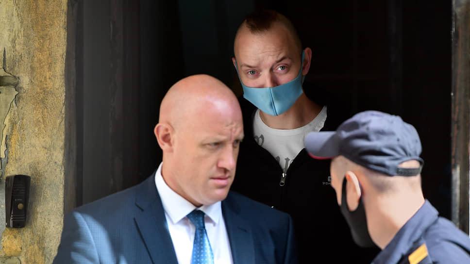 Следователь ФСБ Александр Чабан (слева) и Иван Сафронов