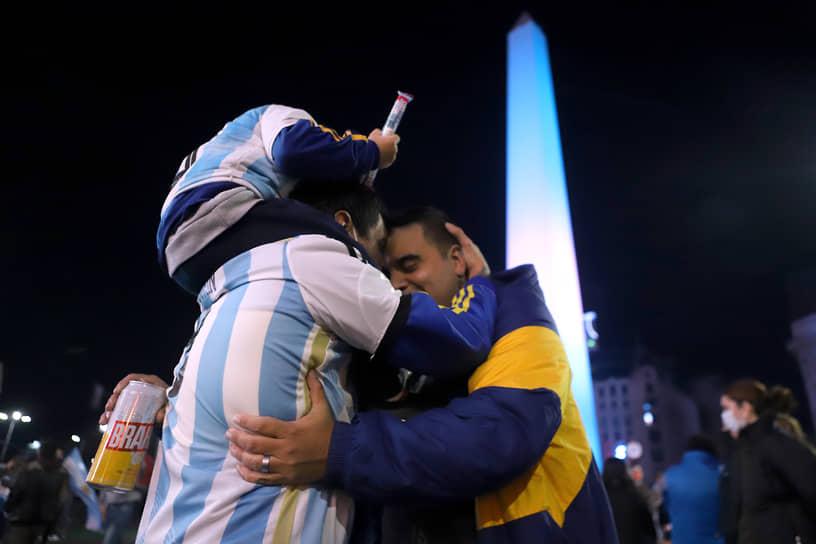 На пути к финальному матчу аргентинцы обыграли сборную Эквадора в 1/4 финала со счетом 3:0 и в полуфинале команду Колумбии — 3:2 в серии пенальти после ничьей 1:1 в основное и дополнительное время