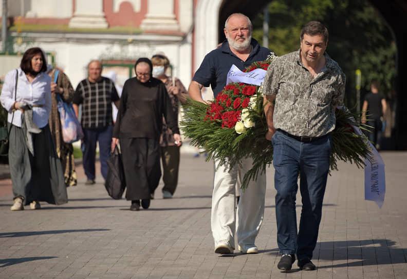 Отпевание музыканта и актера Петра Мамонова прошло в главном соборе Донского монастыря Москвы