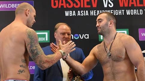 Российский боксер Мурат Гассиев завоевал титул чемпиона Азии WBA