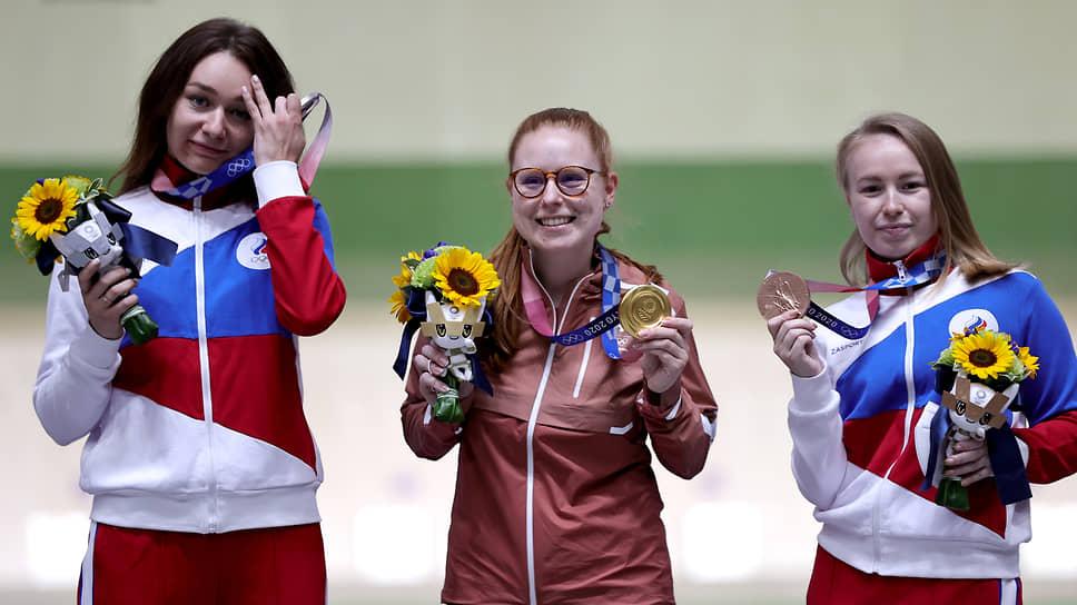Слева направо: Юлия Зыкова, Нина Кристен, Юлия Каримова