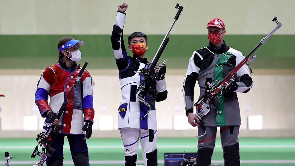Слева направо: Сергей Каменский, Чжан Чанхуну и Миленко Себич