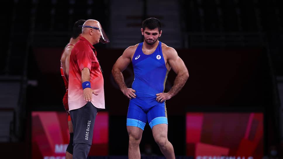 Артур Найфонов (справа)
