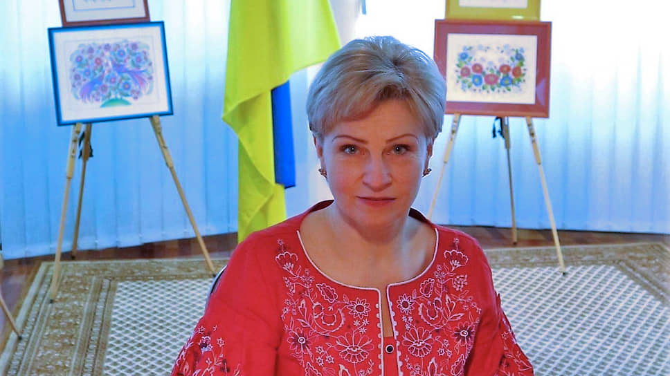 Посол Украины в Венгрии Любовь Непоп