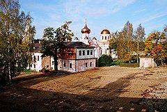 Вместе с мужем и друзьями Татьяна Голикова поддерживает восстановление Свято-Старицкого Успенского мужского монастыря под Тверью