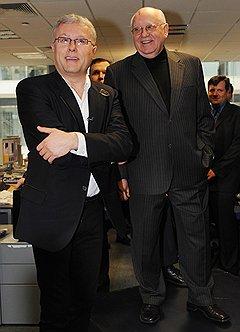 Бизнесмен Александр Лебедев и президент CССР Михаил Горбачев (справа) — хорошие друзья. Однажды, когда Горбачеву на отдыхе стало плохо, предприниматель даже организовал специальный рейс, чтобы вывезти его в Москву, к врачам