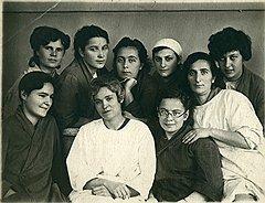 Госпиталь, Москва, конец 1943 года. Либа справа вверху