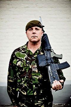 Уэйн Пари, сержант корпуса уэльских гвардейцев