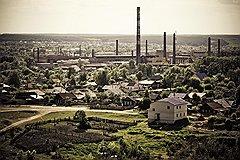Жизнь крестьянского Никольска всегда вертелась вокруг завода: одно из крупнейших стекольных предприятий России окружают частные домики и огороды