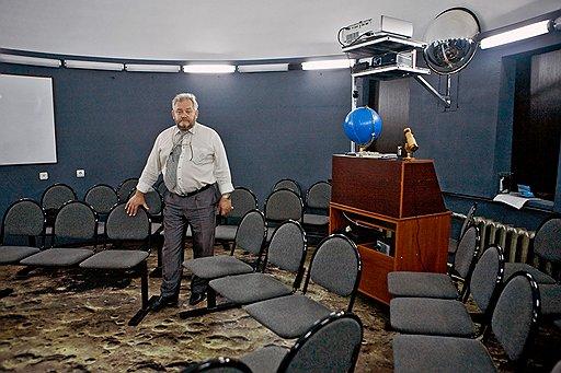Учитель Игорь Царьков в цифровом планетарии: звезды удачно сложились для школьников