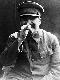 Теперь выясняется: среди целей Ми-6 был и Иосиф Сталин
