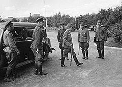 Драматичный момент военного противостояния советских и японских войск: генералы японской армии идут на переговоры о капитуляции в штаб 2-го Дальневосточного фронта