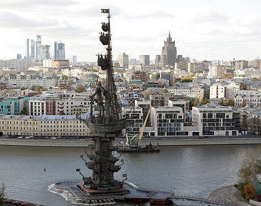 Памятник Петру Первому