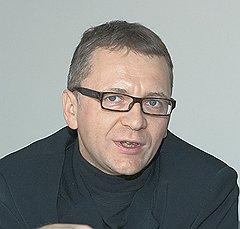 Дмитрий Губин: «Имея в виду пирамидальность российского устройства, можно предположить, как в ближайшее время будут изыматься деньги из наших карманов»