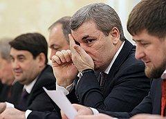 Президент Кабардино-Балкарии Арсен Каноков (второй справа) и глава Чеченской Республики Размн Кадыров (справа)