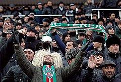 Чеченские болельщики крайне эмоциональны. Но форма выражения эмоций зависит от возраста