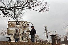 Центр Грозного, конечно, отстроился и сильно похорошел после войны. Но на окраинах картинка пока иная. Впрочем, сюда бразильцев не возили