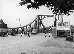 Тот самый мост Глинике, на котором состоялся исторический обмен агентами