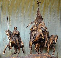 За восемь лет монументальный отряд конных и пеших исторических фигур так и не смог отвоевать Лубянскую площадь