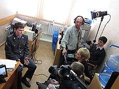 Бельгийское телевидение берет интервью у капитана Андрея Моссунова. Среди жертв скамеров было много бельгийцев