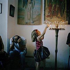 После войны в городе осталась единственная действующая церковь. Грузинских священников сюда не допускают. Службу, правда, наездами, проводят абхазские