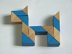Змейку Рубика, позволяющую создавать двухмерные и трехмерные фигуры, особенно полюбили в СССР.