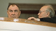 Силовой тандем образца августа 91-го: Дмитрий Язов (слева) и Владимир Крючков (справа)