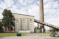 Бывший литейный цех судостроительного завода Ноблесснера и бывшая Таллинская электростанция (на фото) теперь заняты производством искусства