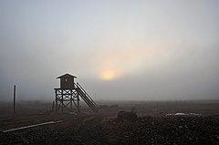 С этих вышек прежде следили за военными складами на мысе Шмидта. Потом военные ушли, а вышки остались