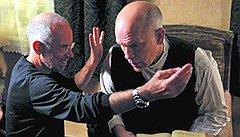 Книгой Лилина вдохновились оскароносцы режиссер Габриэле Сальваторес (слева) и актер Джон Малкович (справа)